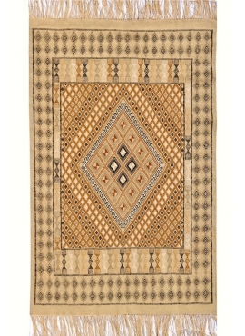 Berber carpet Rug Margoum Regueb 125x195 Beige (Handmade, Wool, Tunisia) Tunisian margoum rug from the city of Kairouan. Rectang