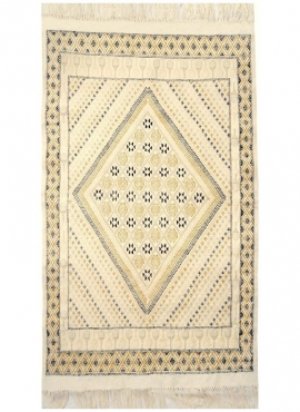 Berber carpet Rug Margoum Sefnou 115x190 Beige (Handmade, Wool, Tunisia) Tunisian margoum rug from the city of Kairouan. Rectang